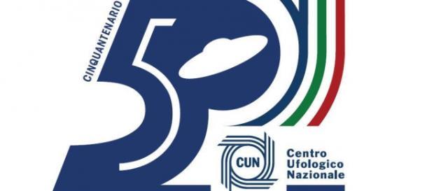 Il logo celebrativo del Centro Ufologico Nazionale