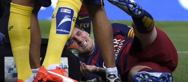 Messi sufrió un choque a los tres minutos de juego