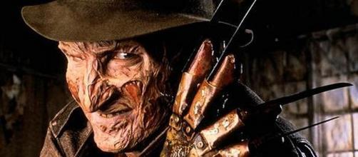 Robert Englund nella parte di Freddy Krueger