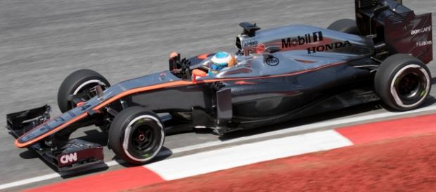 Alonso, durante una carrera con su McLaren-Honda