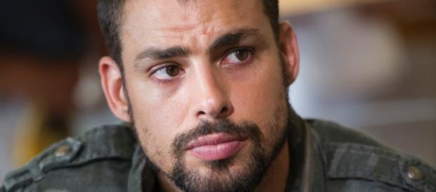 Cauã Reymond causa mal-estar na Globo