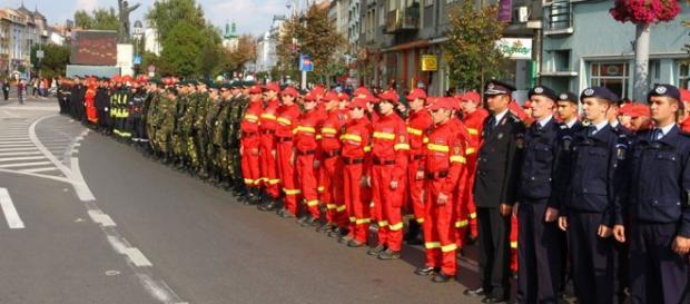 O mică parte din personalul mobilizat la paradă