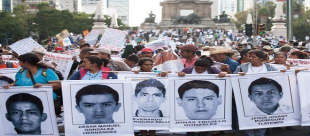 Ayotzinapa, un año de silencio