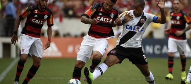 Classico Flamengo x Vasco jogo pegado e com emoção
