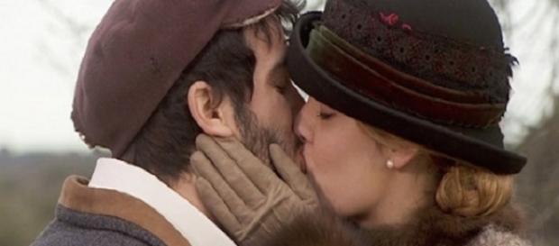 Il Segreto: Soledad e Simon si baciano