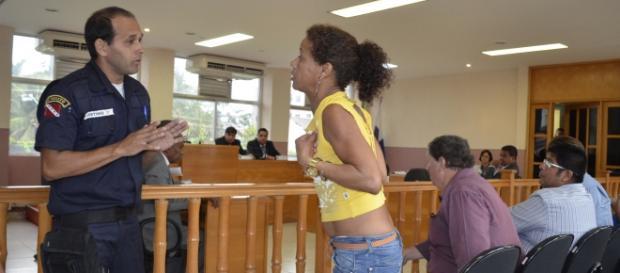 Moradora discute com guarda municipal