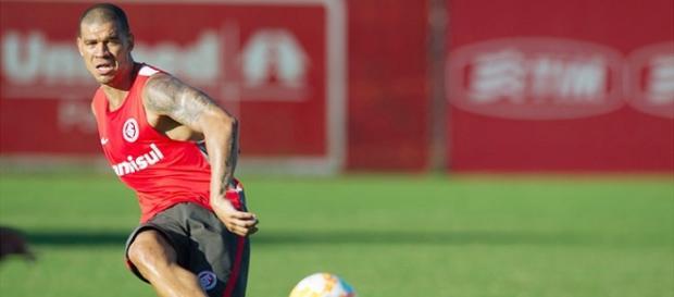 Nilton é peça confirmada no Inter para quarta