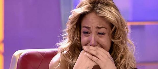 Steisy llora durante un programa de MYHYV