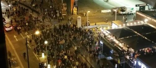 I manifestanti di Shoreditch riuniti sabato scorso