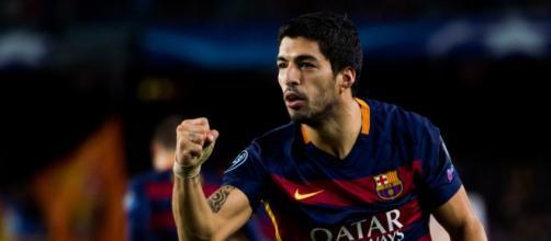 Suárez marca un golazo que le da vuelta al partido
