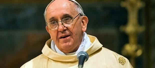 El Papa Francisco de Roma en misa