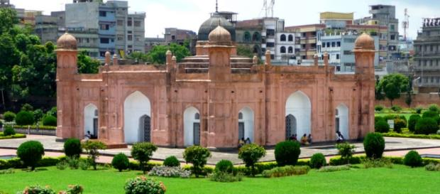Lalbalg Fort in Dhaka, photo by Dan Nevill