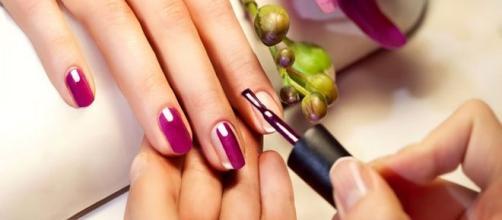 Nail art le mani diventano un'opera d'arte