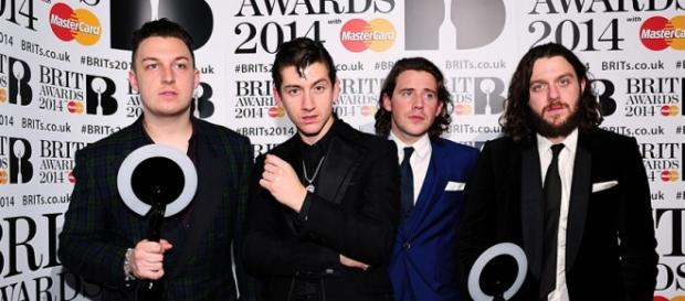 Arctic Monkeys en los British Awards
