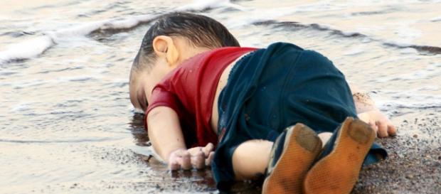 Imaginea copilului înecat a făcut înconurul lumii