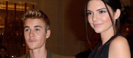 Justin Bieber e Kendall Jenner são bons amigos.