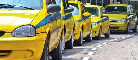 Uso de táxi pode ajudar a amenizar engarrafamentos