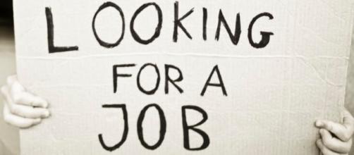 Disoccupazione in leggero calo, ma ancora alta
