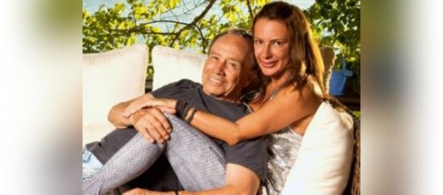 Fotos do casal vazaram na internet nesta madrugada