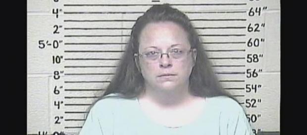 Kim Davis messa in arresto dalla Corte Suprema.