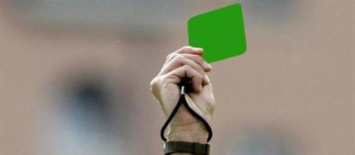 La tercer tarjeta del árbitro.