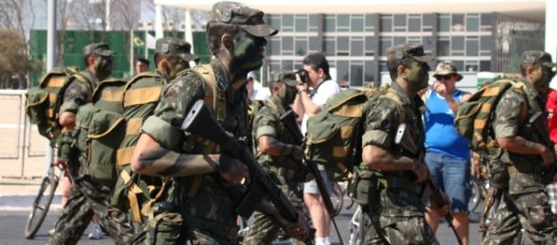 Dilma envia exército para conter conflito