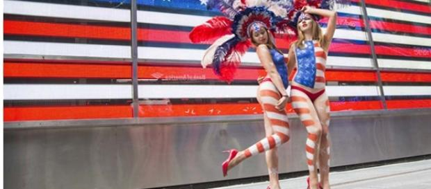 Le Desnudas di Times Square in posa