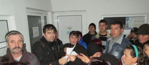 Zeci de români tepuiți cu locuri de muncă