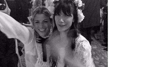 Emma Marrone al matrimonio di Elisa.
