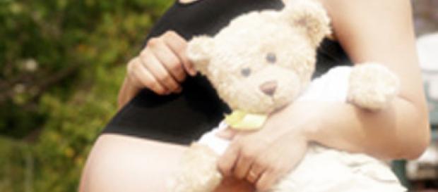 Copilă de 15 ani abuzată sexual de propriul tată