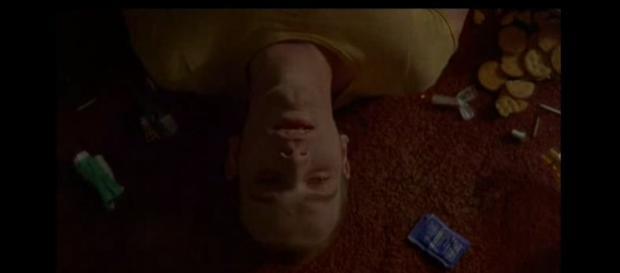 Ewan McGregor no papel de de Renton.
