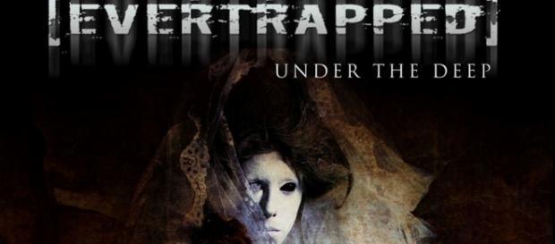 Under The Deep, terceiro álbum de [Evertrapped]