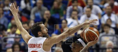 Sin defensa. España no pudo ante Italia