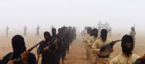 Peste 4.000 de teroriști au ajuns în Europa