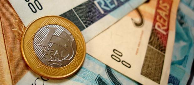 PIB poderá cair 2,44% até o final de 2015.
