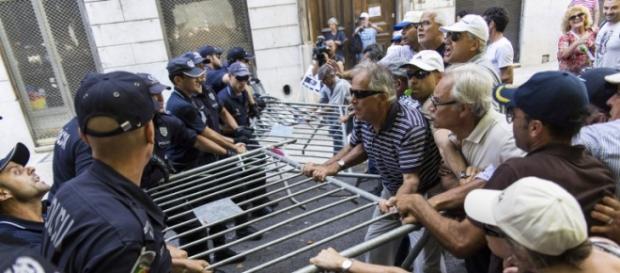 Novos confrontos entre polícia e lesados do BES