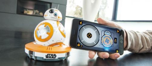 BB-8, droide robótico interactivo.