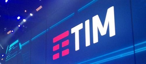 Nuovo logo TIM: Palalottomatica Roma
