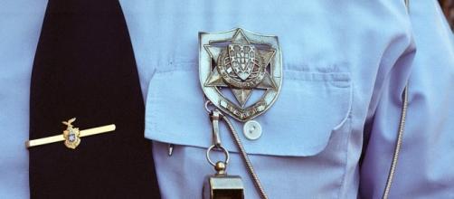 Um polícia não é apenas uma farda e um distintivo