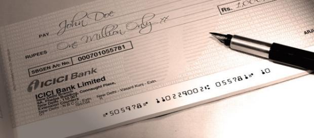 Imprenditore dona 1 milione e mezzo ai dipendenti