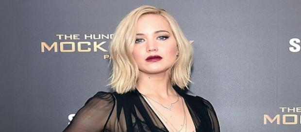 Jennifer Lawrence conta que não namora há tempos
