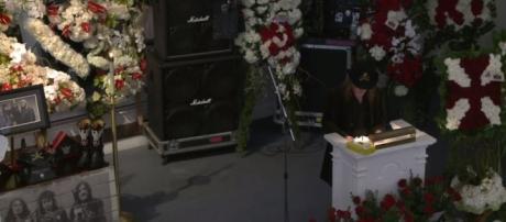 El funeral de Kilmister fue transmitido en Youtube