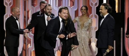 Leonardo Di Caprio insieme a cast e regista