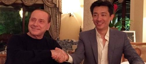 Silvio Berlusconii e Bee Taechaubol