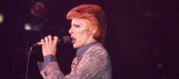 A murit legendarul star rock David Bowie