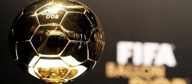 El trofeo del Balón de Oro ganado por Messi