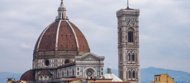 Firenze ed il fidanzato piangono l'americana morta