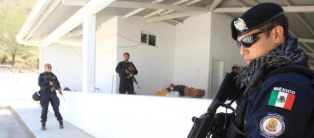 Polizia messicana in un'operazione antidroga