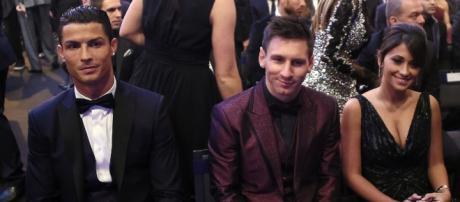 Cristiano Ronaldo e Lionel Messi na gala da FIFA