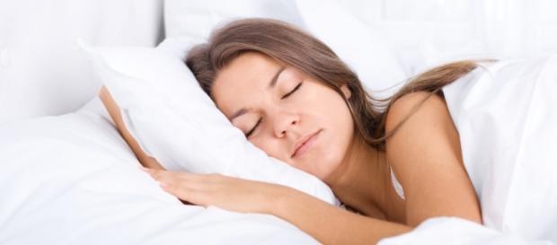 Aprende a dormir mejor con estas pautas